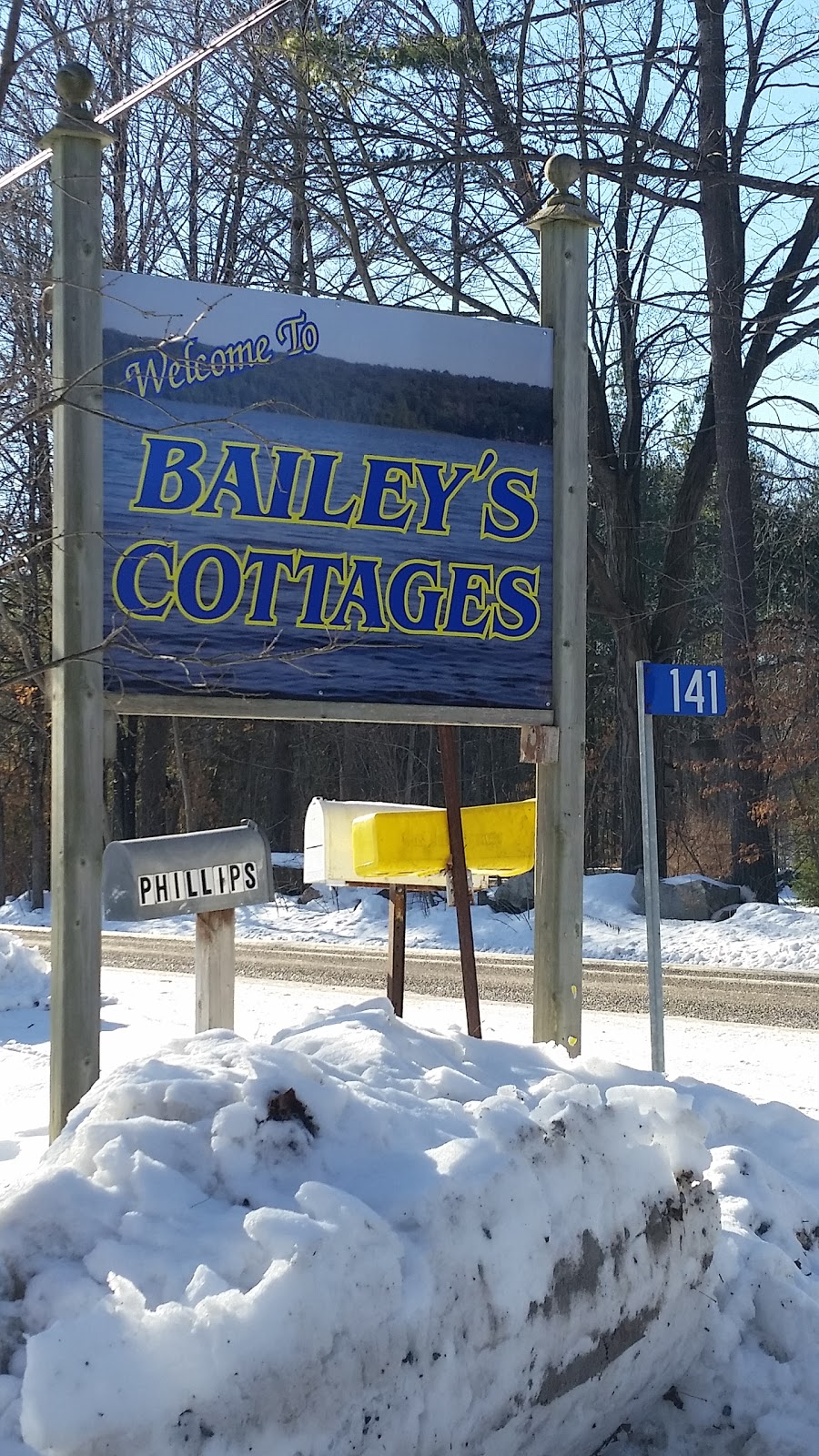 Baileys Cottages | point of interest | 141 Lahey Rd, Madoc, ON K0K 2K0, Canada | 6134734119 OR +1 613-473-4119