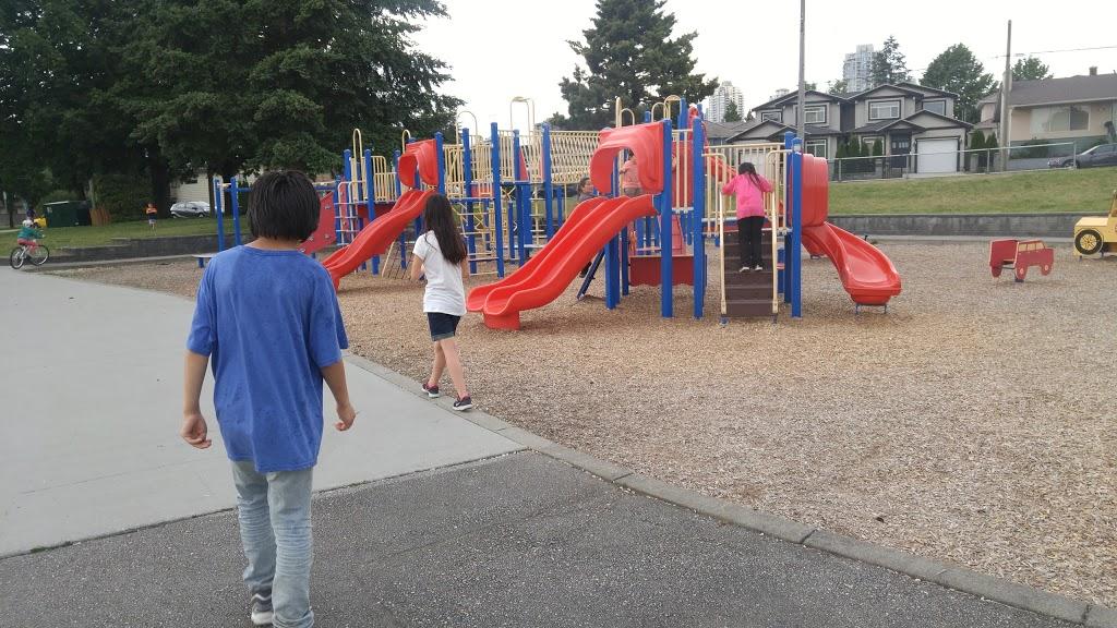 George H. Leaf Park | park | 8405 12th Ave, Burnaby, BC V3N, Canada | 6042947450 OR +1 604-294-7450