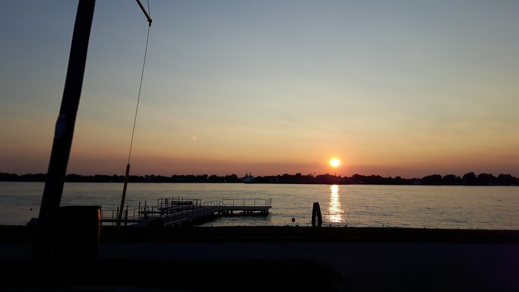 Community Dock | park | St. Clair Township, ON, Canada