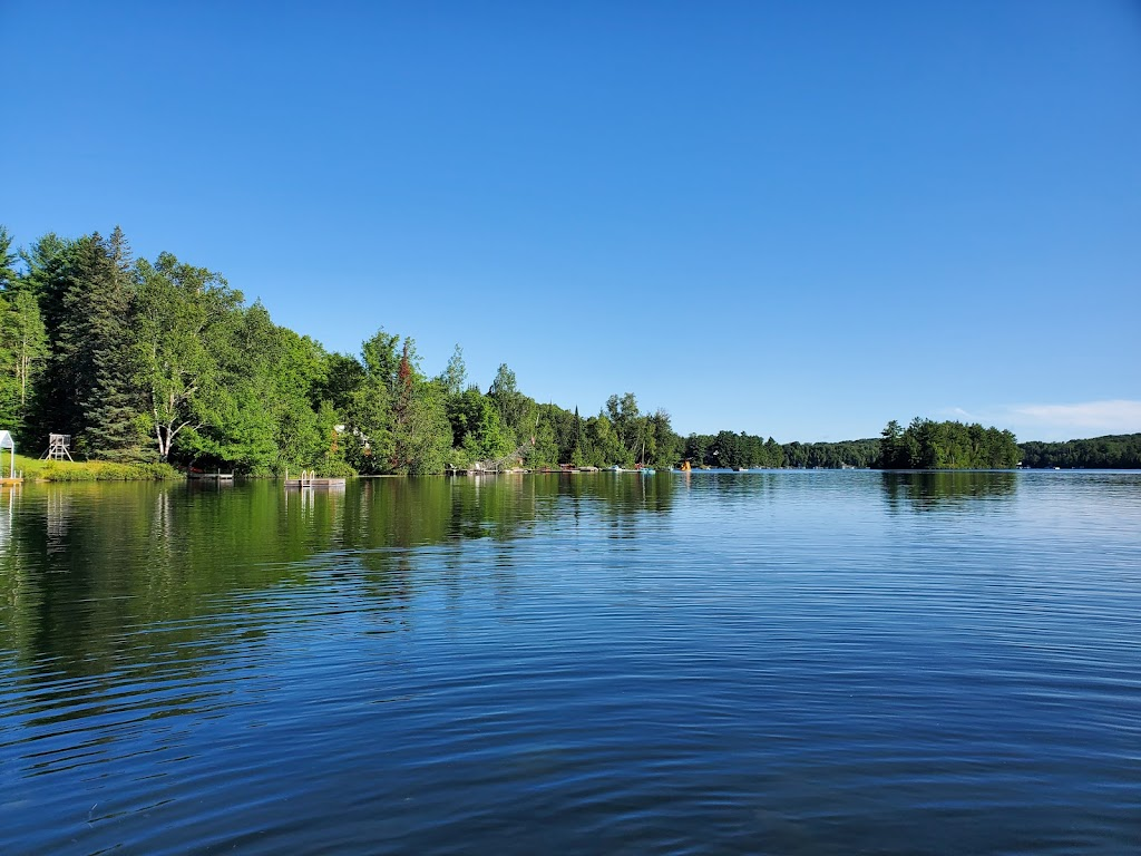 Bookers Clear Lake Cottages | lodging | 3 Moss Ln, Emsdale, ON P0A 1J0, Canada | 7056365354 OR +1 705-636-5354