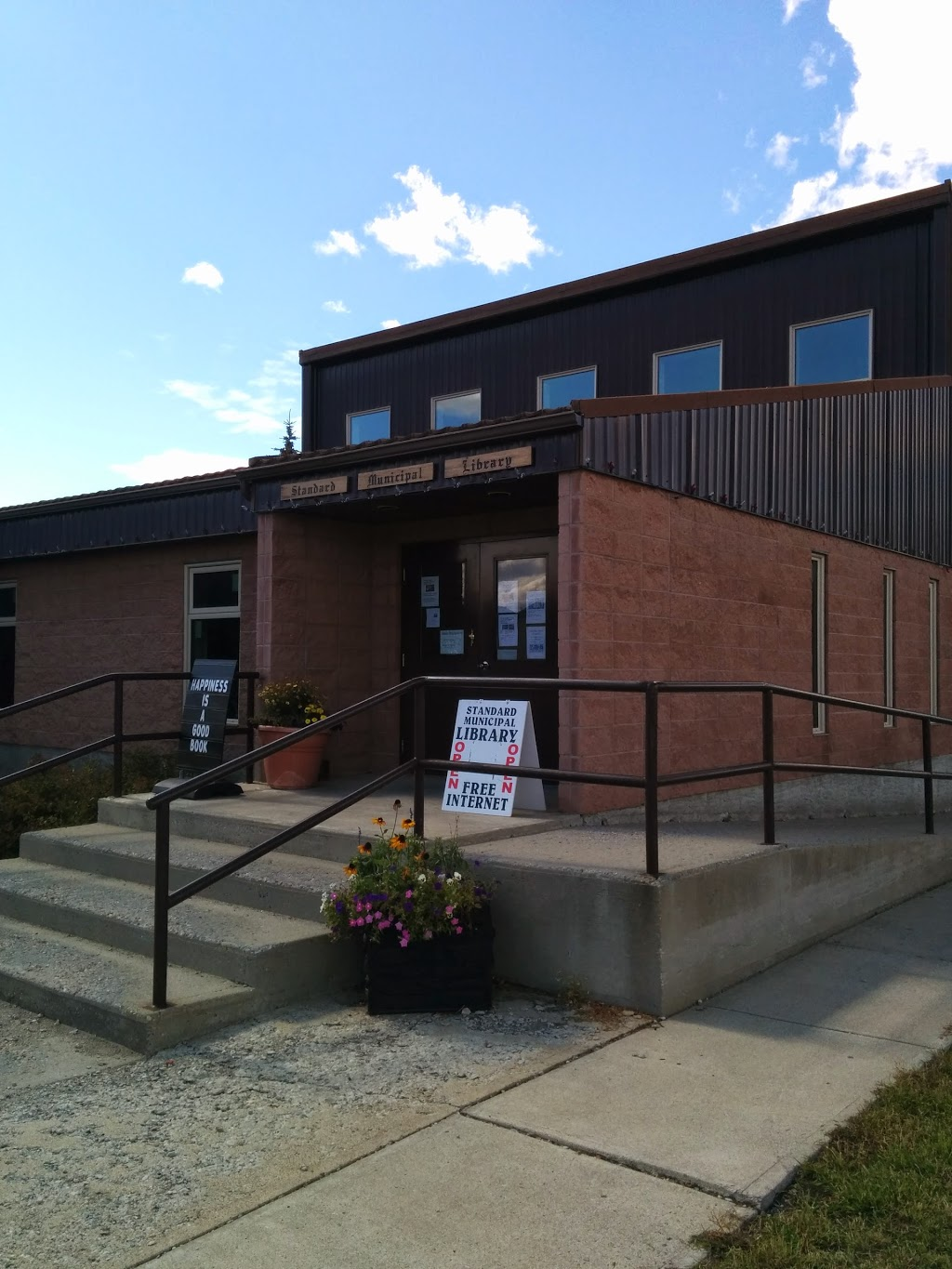 Standard Municipal Library | library | 822 The Broadway, Standard, AB T0J 3G0, Canada | 4036443995 OR +1 403-644-3995