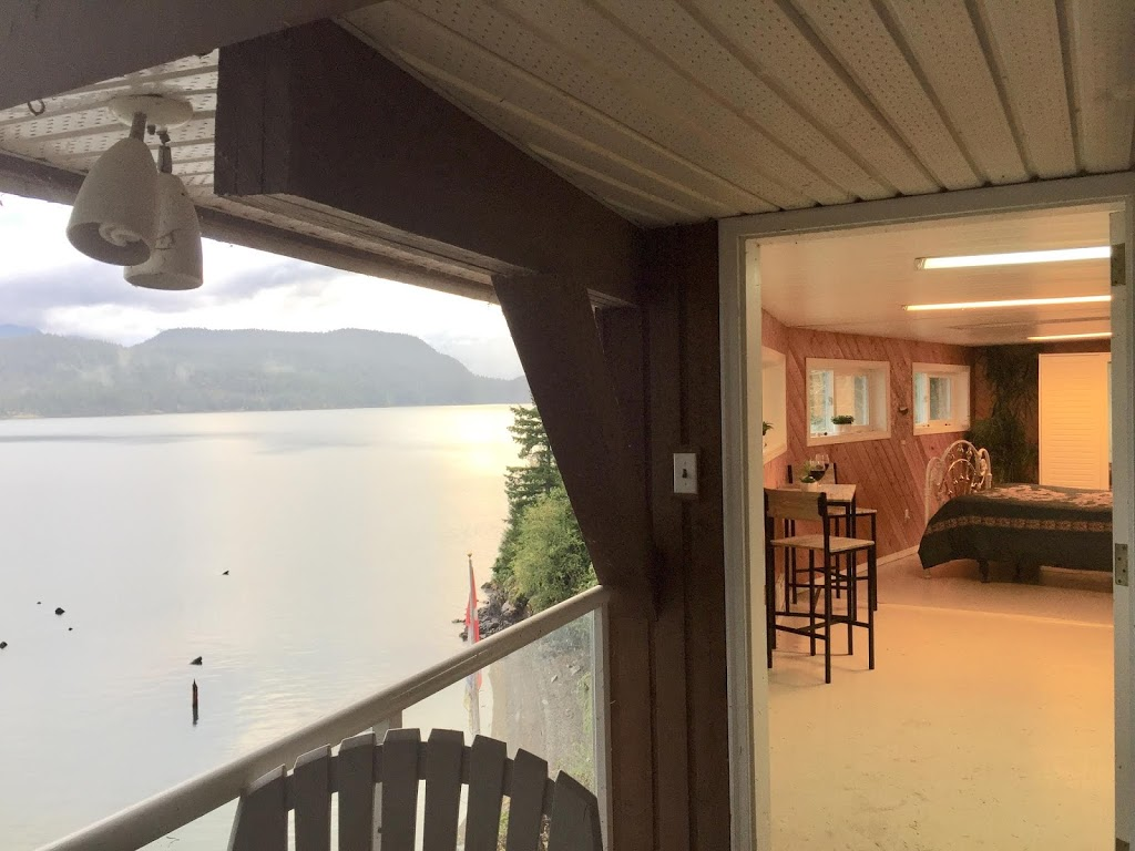Paradise Cove Spa & A Vacation House Rental-Harrison Hot Springs | lodging | 6989 Rockwell Pl, Harrison Hot Springs, BC V0M 1K0, Canada | 6047915212 OR +1 604-791-5212