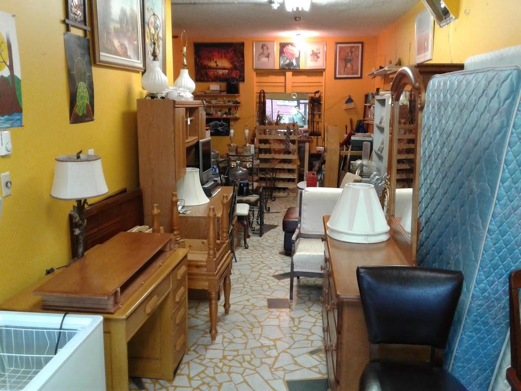 Fils Furniture | furniture store | 505 Gladstone Ave, Ottawa, ON K1R 5N9, Canada | 6135653497 OR +1 613-565-3497