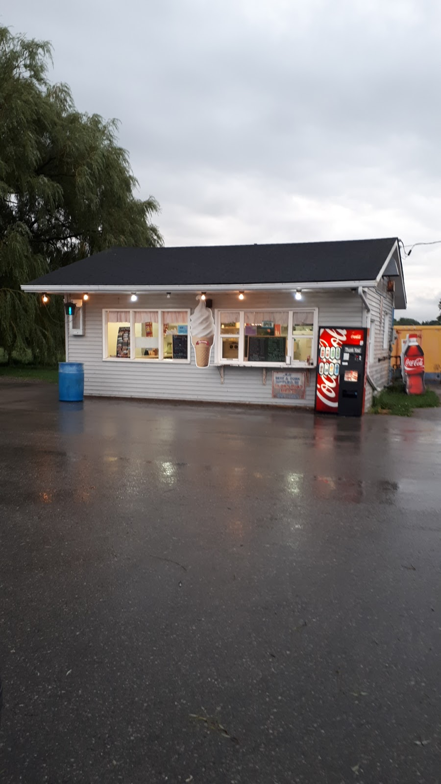 Brant Drive-In | restaurant | 1597 4, Walkerton, ON N0G 2V0, Canada | 5198812733 OR +1 519-881-2733
