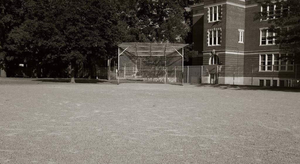 Williamson Road Junior Public School | school | 24 Williamson Rd, Toronto, ON M4E 1K5, Canada | 4163931740 OR +1 416-393-1740
