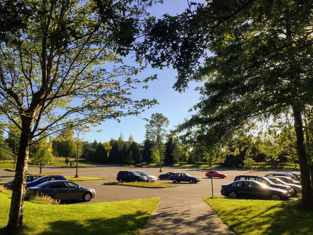 UVic Parking Lot 10 | parking | Oak Bay, BC V8P, Canada