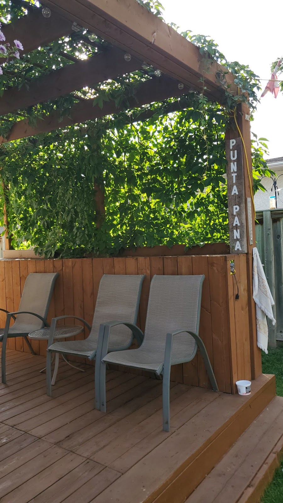Punta Pana Backyard Bar & Grill | restaurant | 583 Glenway Ave, East Saint Paul, MB R2G 1H8, Canada | 2046680144 OR +1 204-668-0144