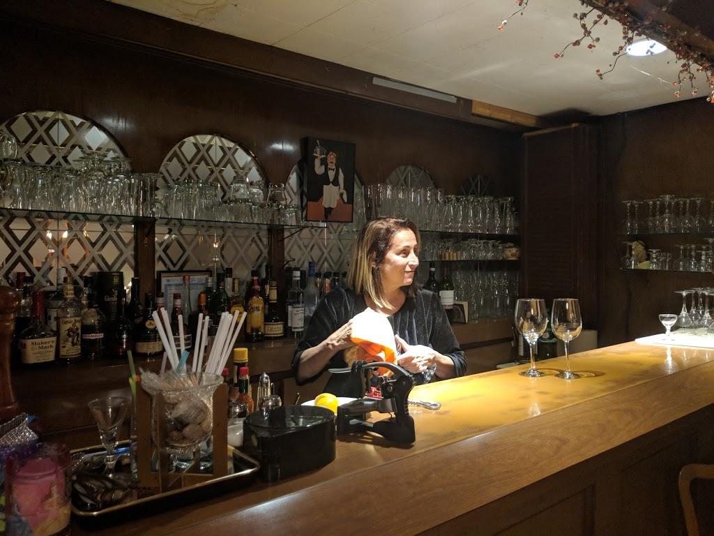 Trocadero Restaurant | restaurant | 527 Barton St E, Hamilton, ON L8L 2Y9, Canada | 9055273894 OR +1 905-527-3894