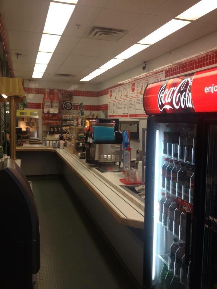 Tracks Cafe | cafe | 1717 Elphinstone St, Regina, SK S4M 0A1, Canada | 3065652555 OR +1 306-565-2555