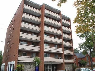 Charlton Park Apartments | point of interest | 116 Charlton Ave W, Hamilton, ON L8P 2C6, Canada | 9055273732 OR +1 905-527-3732