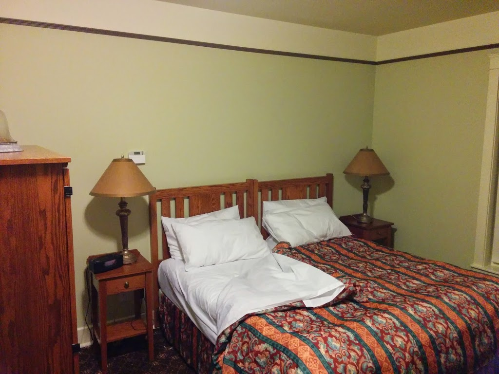 Hotel Selkirk   lodging   1920 St, Edmonton, AB T6H, Canada   7804967227 OR +1 780-496-7227