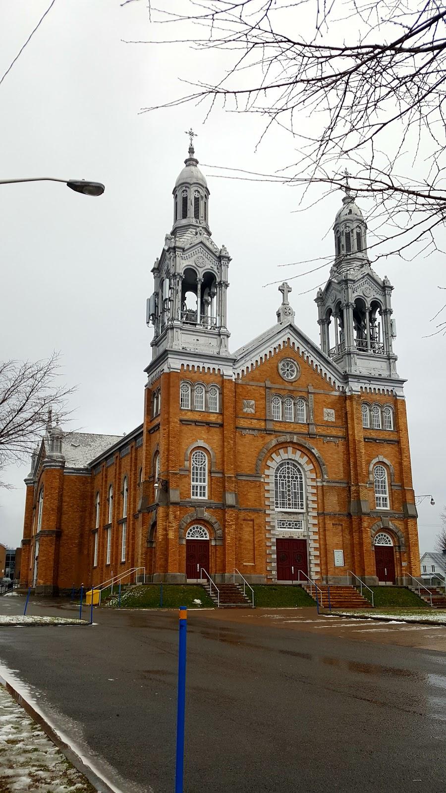 Fabrique de la paroisse Saints-Anges-de-Montmorency   church   2315 Ave Royale, Quebec City, QC G1C 1R1, Canada   4186639875 OR +1 418-663-9875