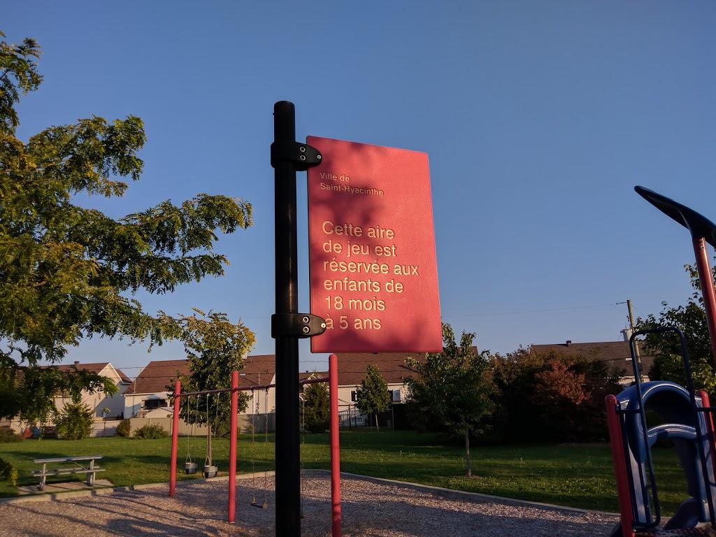 Jeux pour 18 mois à 5 ans du parc de la Seigneurie   park   17520 Avenue du Moulin, Saint-Hyacinthe, QC J2T 5L6 Avenue du Moulin, Saint-Hyacinthe, QC J2T 5L6, Canada