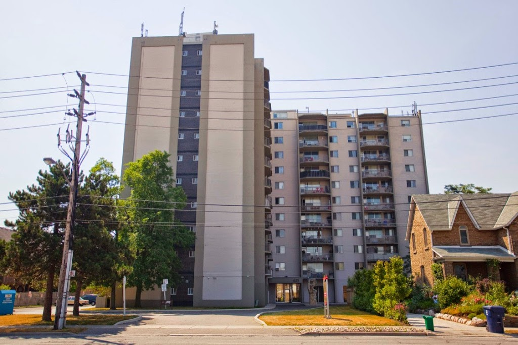 Evans Apartments | point of interest | 625 Evans Ave., Etobicoke, ON M8W 2W5, Canada | 4162552538 OR +1 416-255-2538