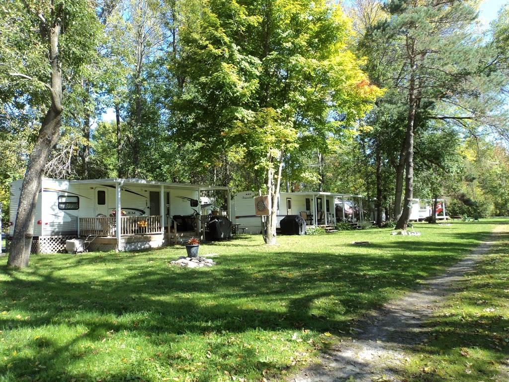 Sandy Beach Resort & Trailer Court Ltd | campground | 26 Olivers Ln, Fenelon Falls, ON K0M 1N0, Canada | 7058872550 OR +1 705-887-2550