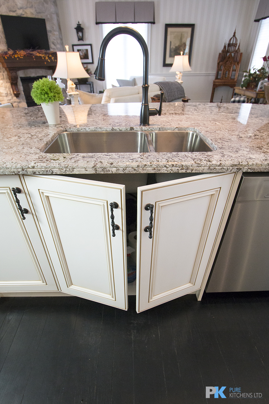 Pure Kitchens Inc | home goods store | 115B Saramia Crescent, Concord, ON L4K 4P7, Canada | 4166790192 OR +1 416-679-0192
