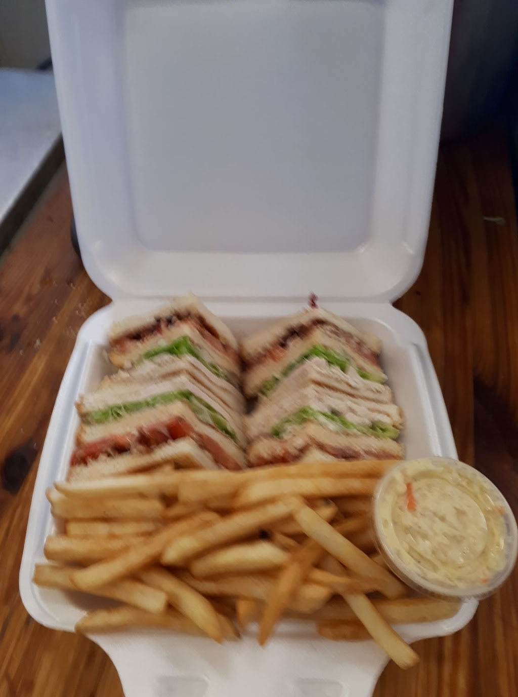 Thornhill Pizza | meal takeaway | 477 Herring Cove Rd, Halifax, NS B3R 1W5, Canada | 9024778888 OR +1 902-477-8888