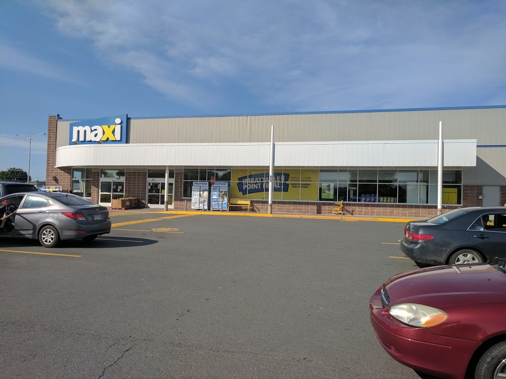 Maxi   bakery   1877 Rue Bilodeau, Plessisville, QC G6L 3N7, Canada   8193627370 OR +1 819-362-7370