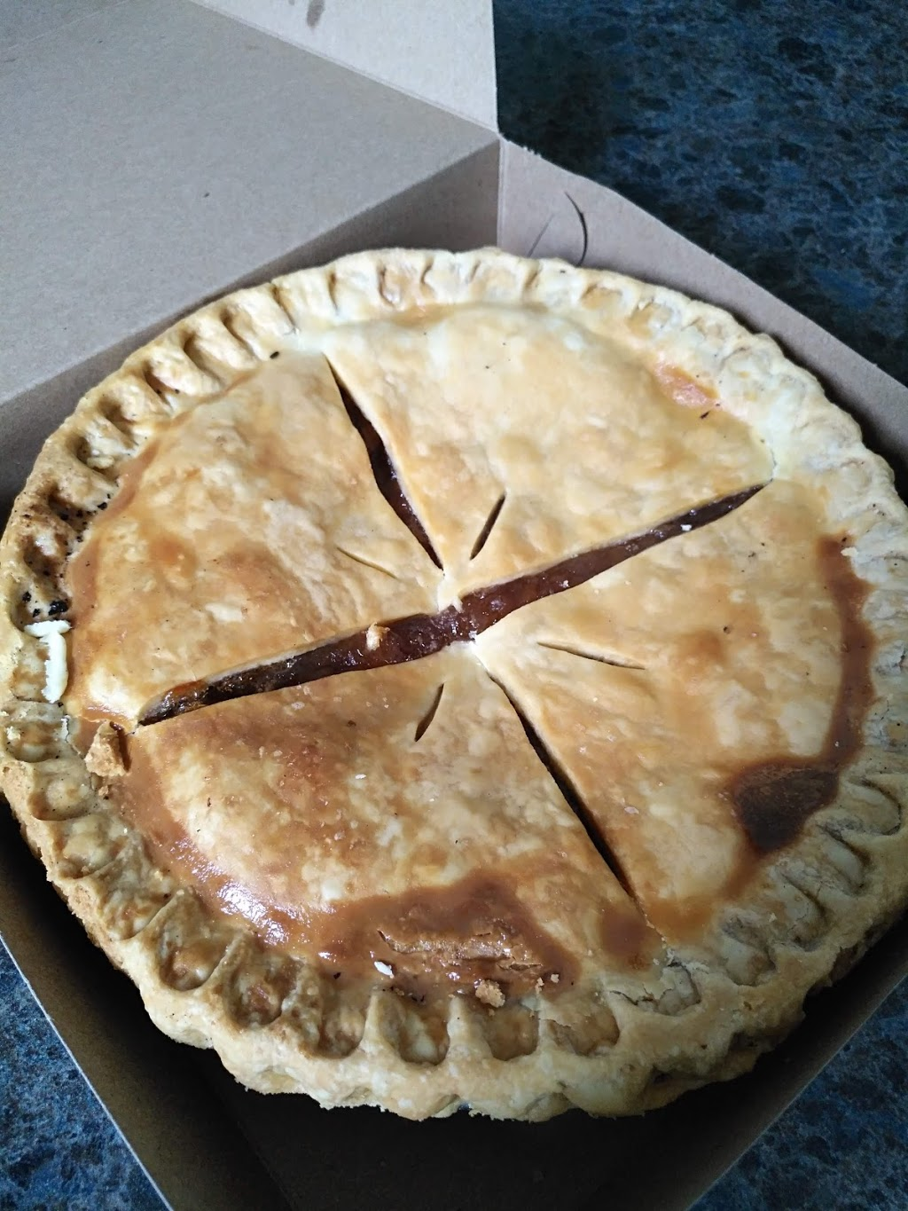 Zehr's Country Market   bakery   75089 Bluewater Hwy, Bayfield, ON N0M 1G0, Canada   5195655566 OR +1 519-565-5566