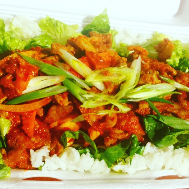 Taffys Food | meal takeaway | 110 2424 4 St SW, Calgary, AB T2S 2T4, Canada | 4032285381 OR +1 403-228-5381