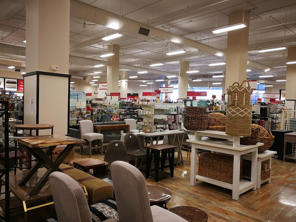 HomeSense | department store | 805 Cloverdale Ave, Victoria, BC V8X 2S9, Canada | 2503862641 OR +1 250-386-2641