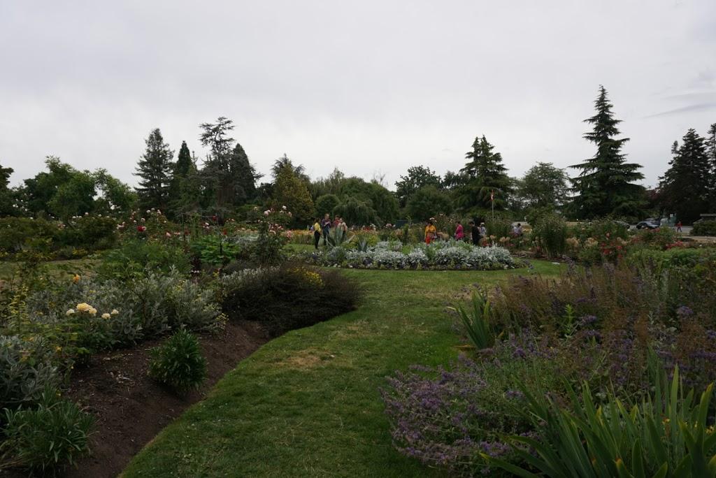 Rose Garden of QE Park | park | 5175 Kersland Dr, Vancouver, BC V5Y 2M9, Canada