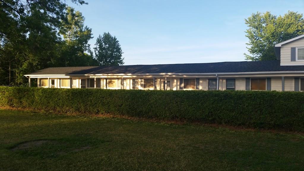 Stone Fountain Motel | lodging | 5876 ON-35, Fenelon Falls, ON K0M 1N0, Canada | 8882748811 OR +1 888-274-8811