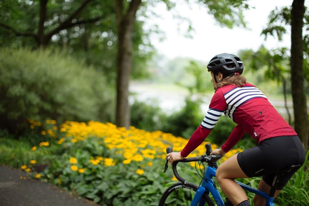 Vélo Cartel Café Cycliste   bicycle store   367 Rue Soumande, Québec, QC G1M 1A5, Canada   4184314274 OR +1 418-431-4274