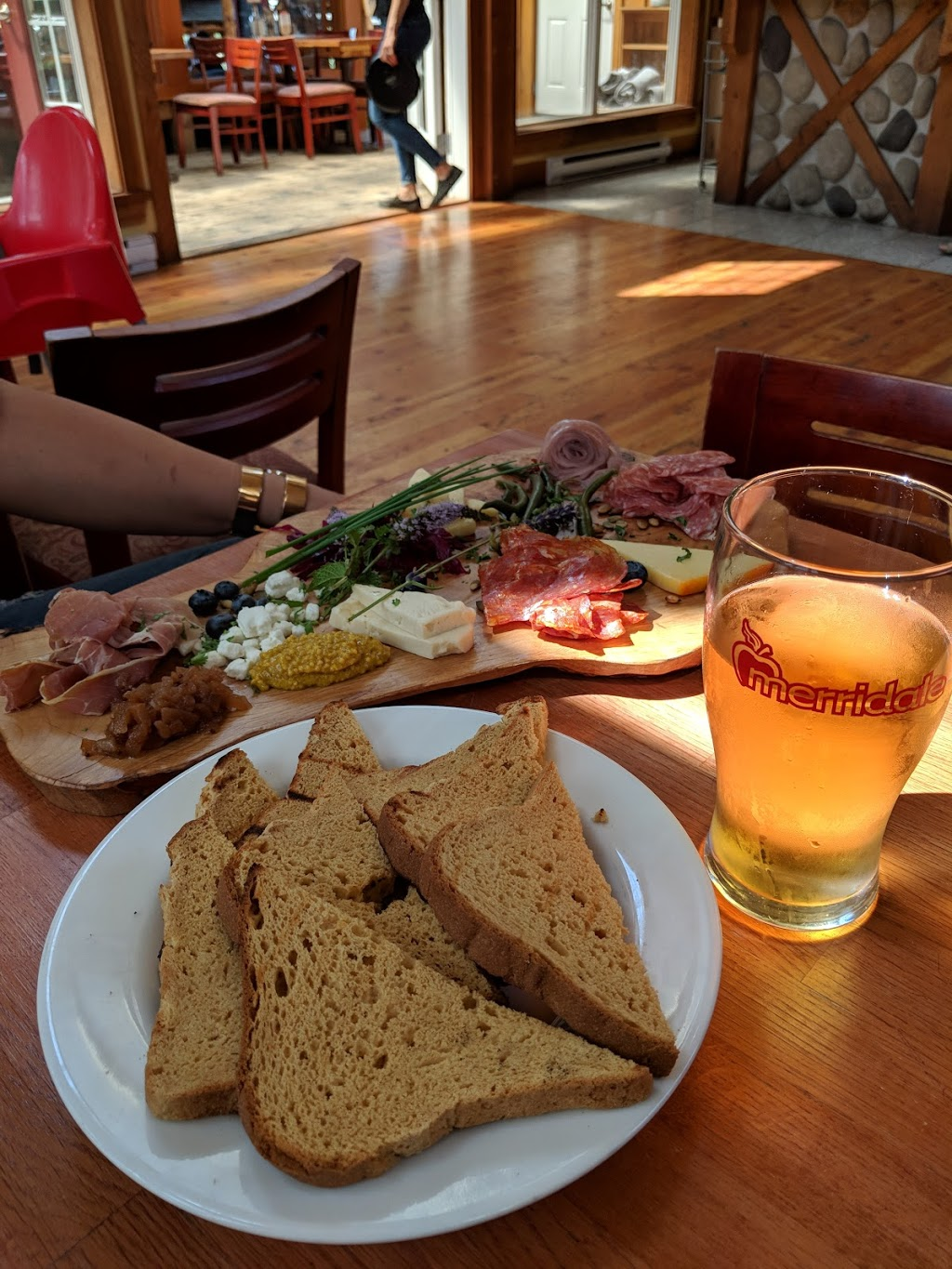 Merridale Cidery & Distillery - Eatery | restaurant | 1230 Merridale Rd, Cobble Hill, BC V0R 1L0, Canada | 2507434293 OR +1 250-743-4293