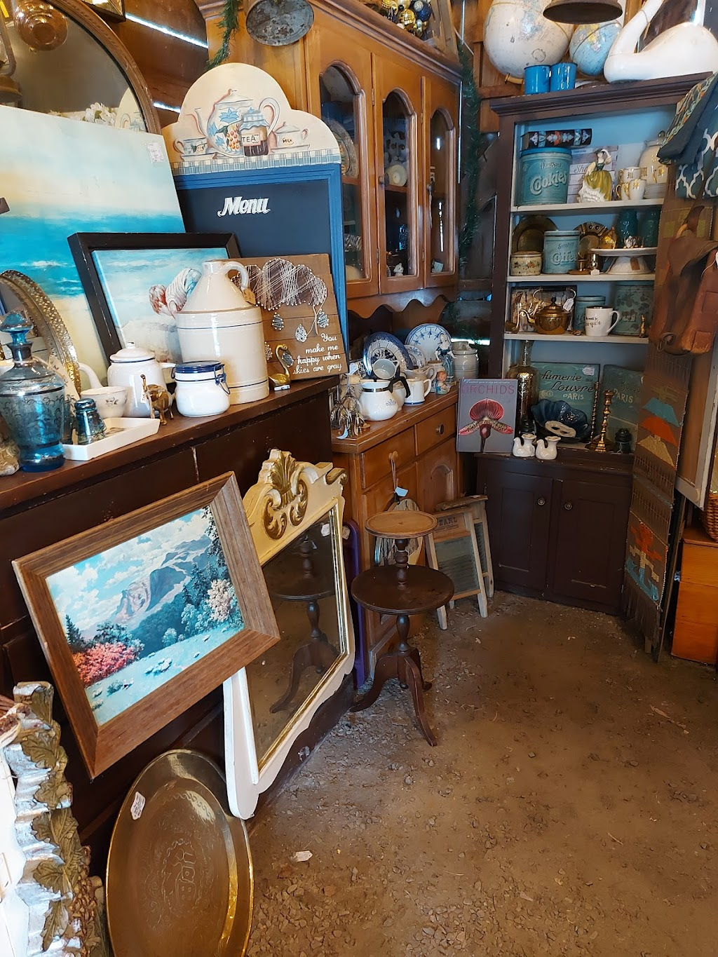 THE MUSKOKA ROOM | home goods store | 2197 Highway 592, Emsdale, ON P0A 1J0, Canada | 7053493933 OR +1 705-349-3933