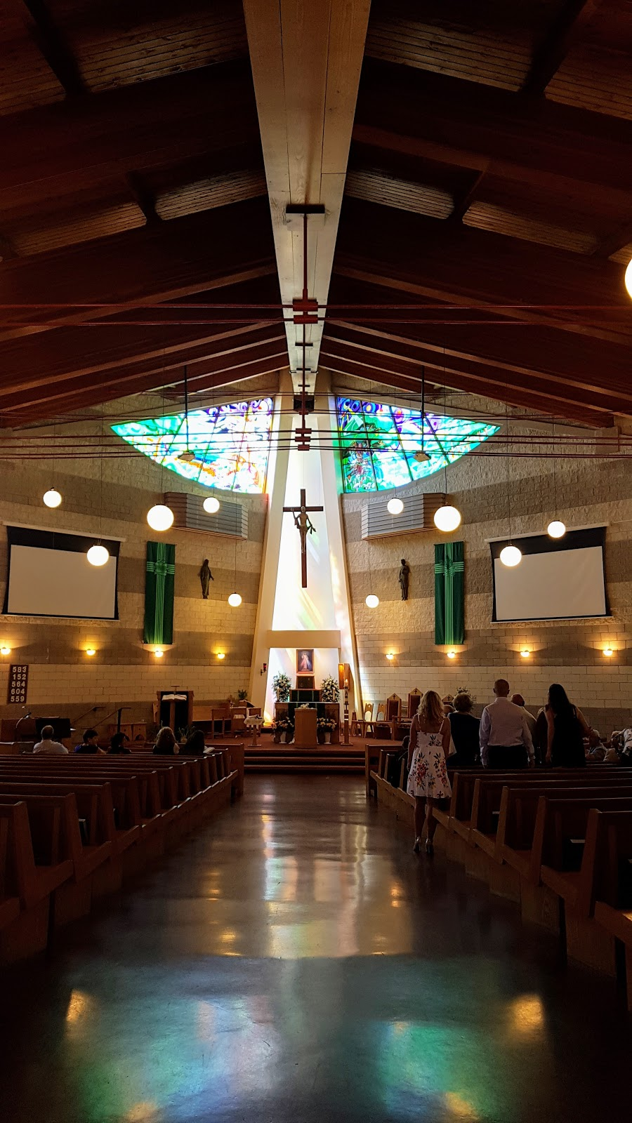 Saint Joseph Roman Catholic Church | church | 135 Livingston Ave, Grimsby, ON L3M 5J6, Canada | 9059452661 OR +1 905-945-2661
