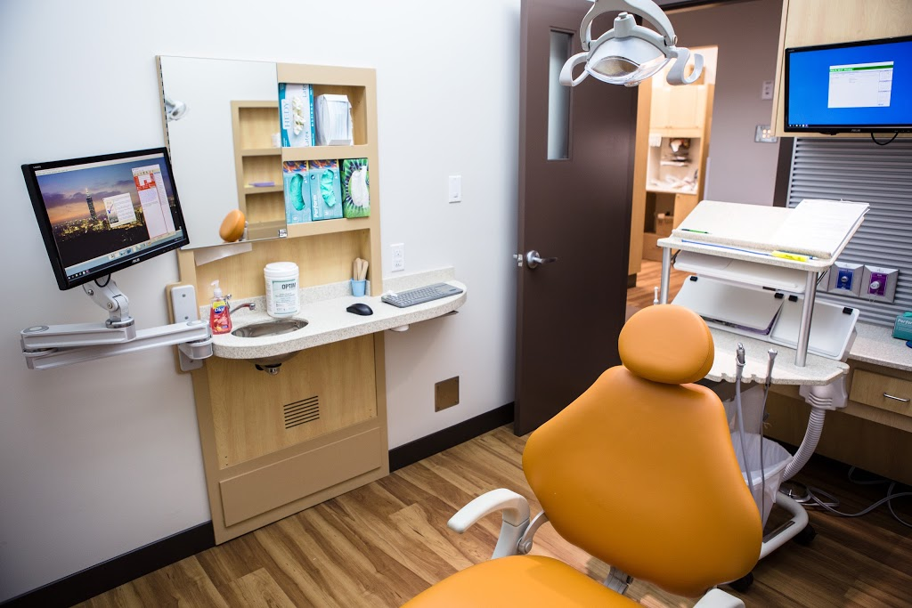 Fraser Valley Dental Specialists | dentist | 3033 Immel St #500, Abbotsford, BC V2S 6S2, Canada | 6048525402 OR +1 604-852-5402