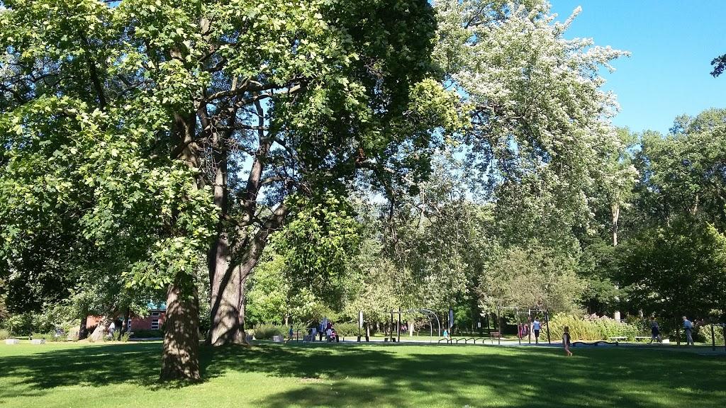 Berge du Havre (Chomedey)   park   4028 Rue du Havre, Laval, QC H7W 2S3, Canada   4509788000 OR +1 450-978-8000