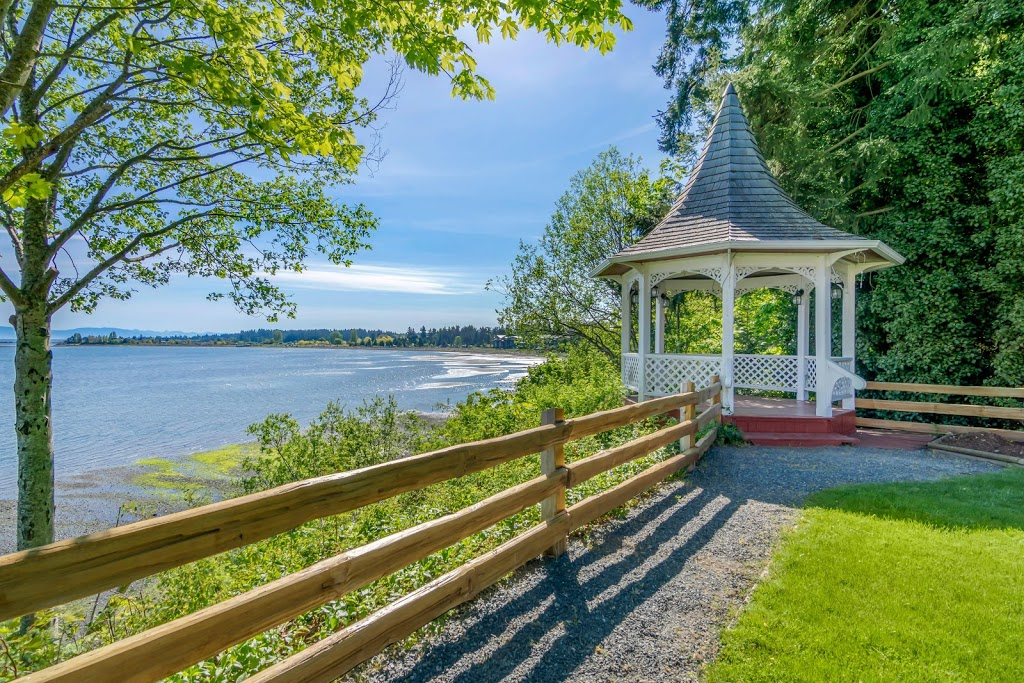The Bayside Resort   lodging   240 Dogwood St, Parksville, BC V9P 1E1, Canada   2502488333 OR +1 250-248-8333