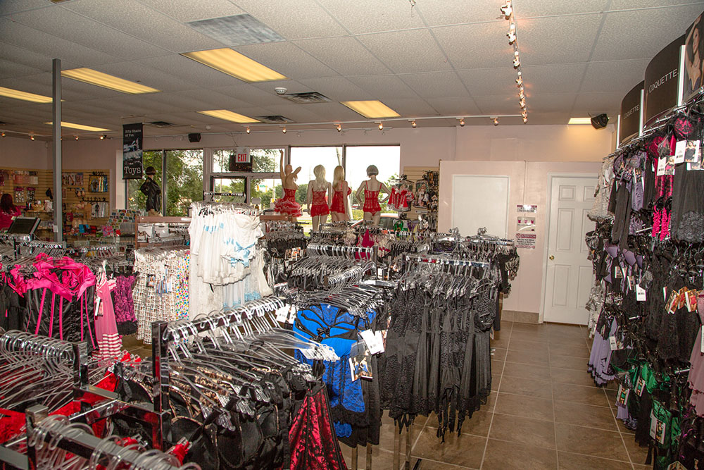 Stag Shop | clothing store | 371 Wellington Rd, London, ON N6C 4P9, Canada | 5196683334 OR +1 519-668-3334