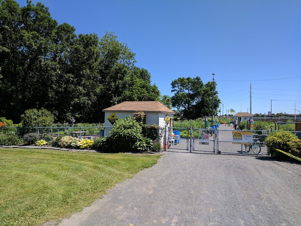 Jardin Communautaire Croque-Soleil | park | 1900 Boulevard Père-Lelièvre, Québec, QC G1P 2W7, Canada | 4189157547 OR +1 418-915-7547