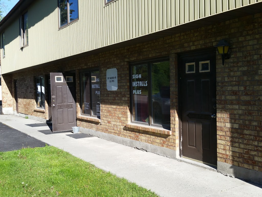 Sign Install Plus | store | 203 Valencia Rd, Oshawa, ON L1J 1P2, Canada | 2892400988 OR +1 289-240-0988