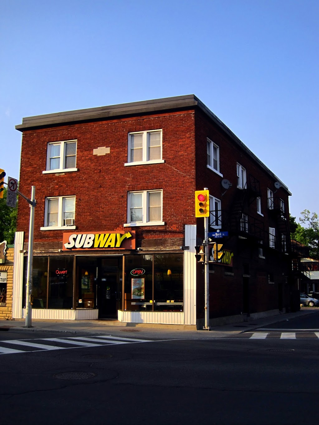 Subway | restaurant | 1227 Bank St, Ottawa, ON K1S 3W3, Canada | 6135261717 OR +1 613-526-1717