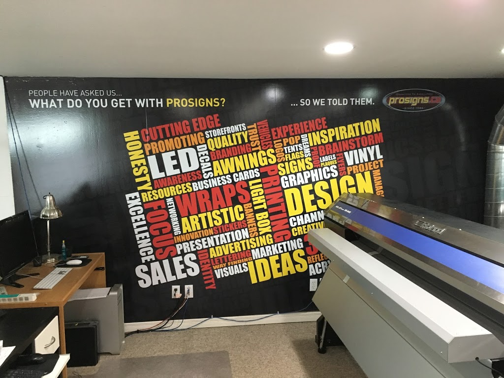 Pro Signs Ca   store   241 Edgehill Dr, Barrie, ON L4N 7X1, Canada   7057227611 OR +1 705-722-7611