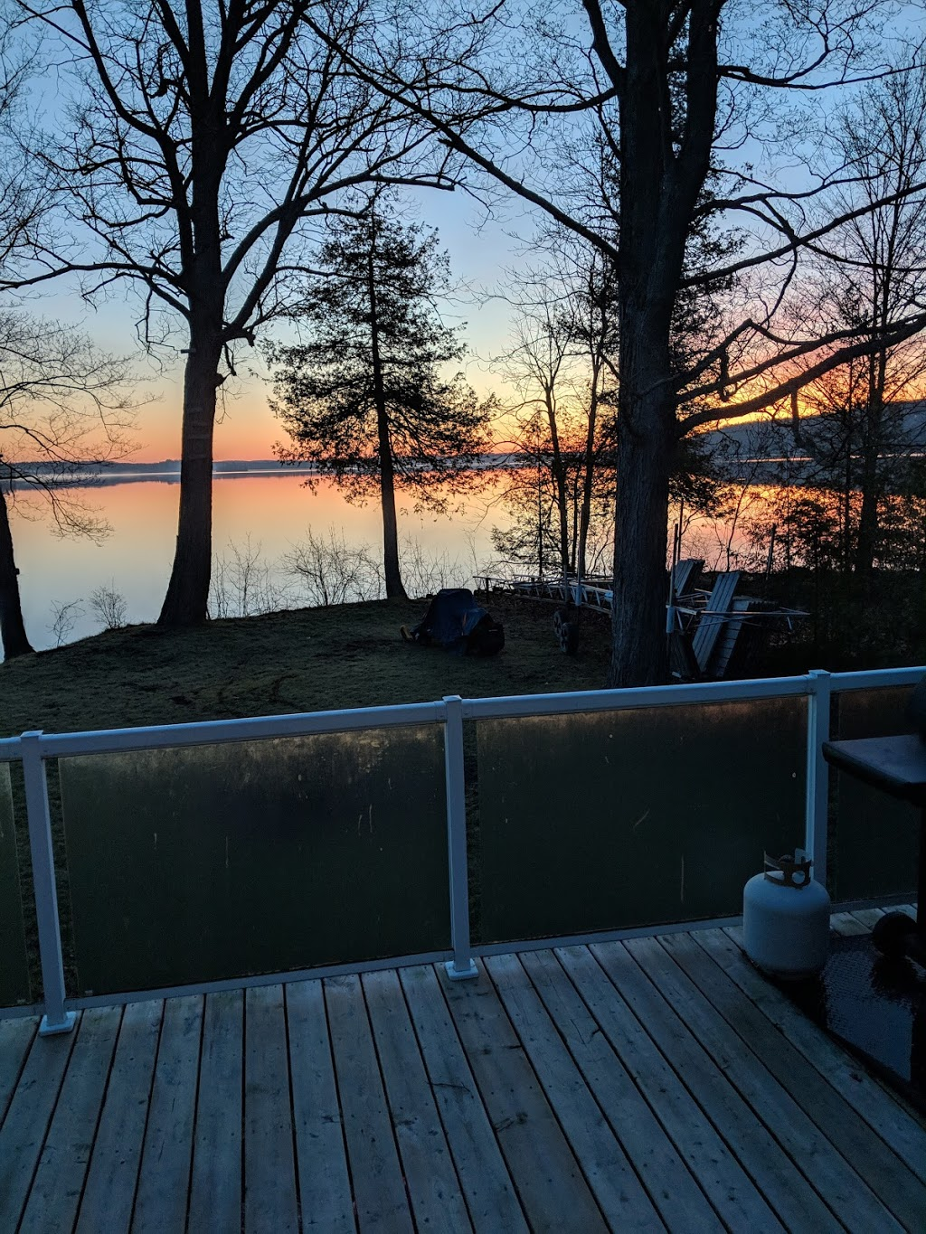 Thompson Cottages   point of interest   55 Watson Ln, Madoc, ON K0K 2K0, Canada   5195725378 OR +1 519-572-5378
