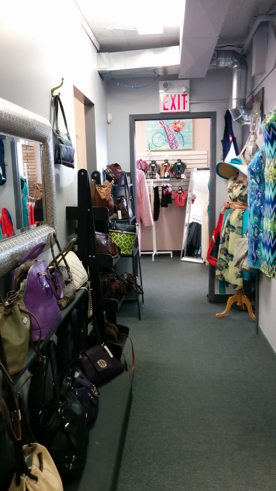 Carousel Clothing | clothing store | 72 St Leger St, Kitchener, ON N2H 6R4, Canada | 5195764990 OR +1 519-576-4990