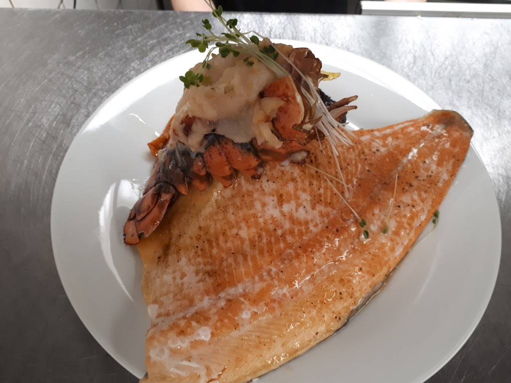 The Noshery | restaurant | 209 King St W, Brockville, ON K6V 3R7, Canada | 6138659969 OR +1 613-865-9969