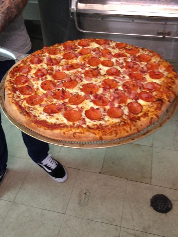 Papa Paulys Pizza | restaurant | 997 Cannon St E, Hamilton, ON L8L 6Z9, Canada | 9055444224 OR +1 905-544-4224