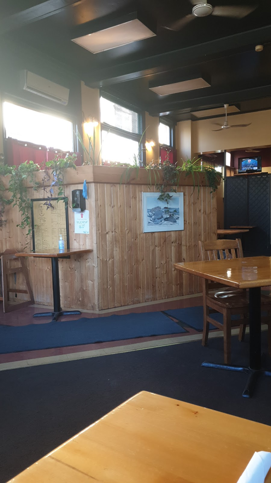 Liverpool Pizzeria   restaurant   155 Main St, Liverpool, NS B0T 1K0, Canada   9023542422 OR +1 902-354-2422