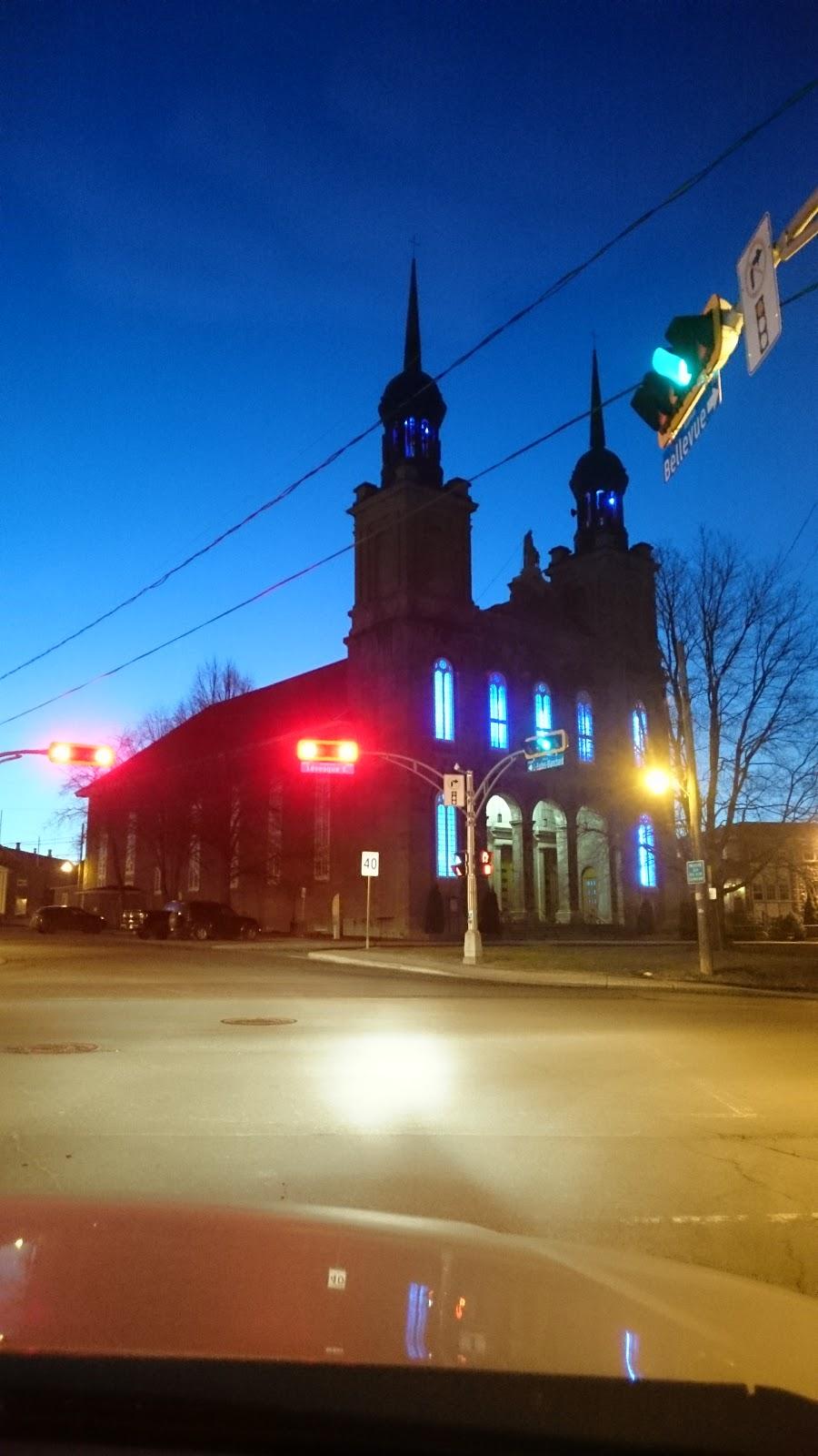 Catholic Parish St. Vincent de Paul   church   5443 Boulevard Lévesque East, Ville de Laval, QC H7C 1N8, Canada   4506611400 OR +1 450-661-1400