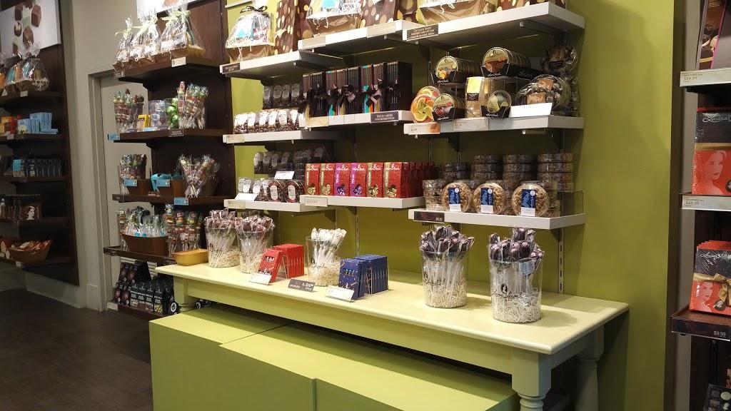 Laura Secord | store | 21 Micmac Blvd, Dartmouth, NS B3A 4K6, Canada | 9024630155 OR +1 902-463-0155