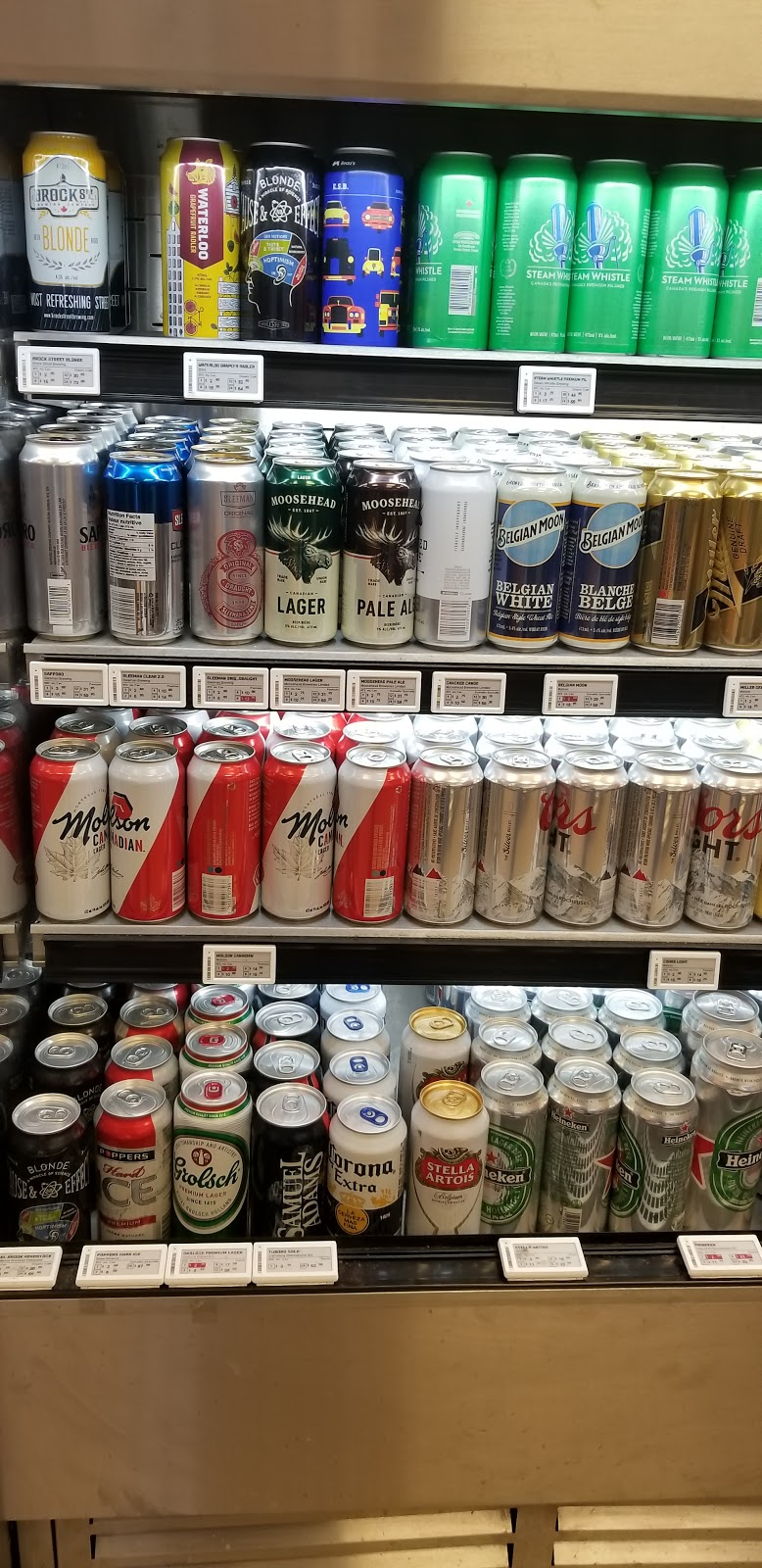 Beer Store | store | 257 Wentworth St W, Oshawa, ON L1J 1M9, Canada | 9055769595 OR +1 905-576-9595