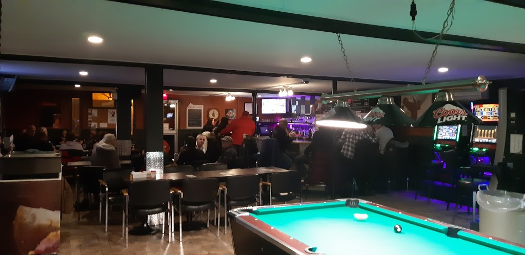 Bar Le Petit Village | restaurant | 2565 Rue Évangéline, Québec, QC G1E 1N1, Canada | 4186670912 OR +1 418-667-0912