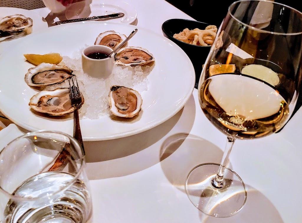 Restaurant La Quintessence | restaurant | 3004 Chemin de la Chapelle, Mont-Tremblant, QC J8E 1E1, Canada | 8194253400 OR +1 819-425-3400