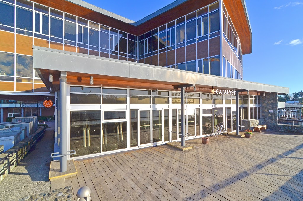 Selkirk Waterfront Fitness Club | gym | 115 2940 Jutland Rd, Victoria, BC V8T 5J9, Canada | 7784333346 OR +1 778-433-3346